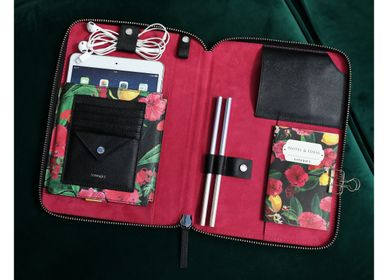 Travel accessories - Risha Organizer in Floral - FONFIQUE
