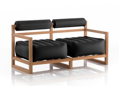 Sofas for hospitalities & contracts - YOKO WOOD Sofa Black - MOJOW