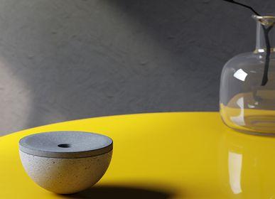Objets design - Cendrier en béton ULTIMA - URBI ET ORBI