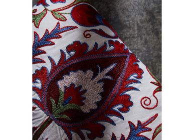 Coussins - Hagia Sophia Istanbul Suzani Cushion Double Sided With Ikat - HERITAGE GENEVE