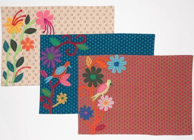 "Kitchen fabrics - EMBROIDERED PLACEMATS ""SHWESHWE"" - MAHATSARA"