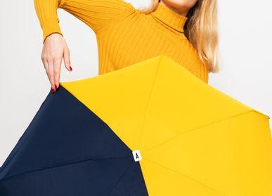 Travel accessories - Bicolour micro-umbrella - yellow & navy - Sydney  - ANATOLE