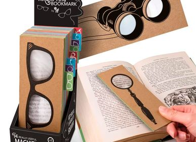 Stationery - MAGNIFYING BOOKMARK - CATWALK