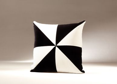 Bedding - SAFIRA velvet cushion - MY FRIEND PACO