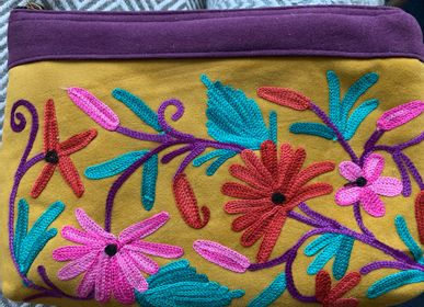 Clutches - Embroidered flower pouch - PECHAAN