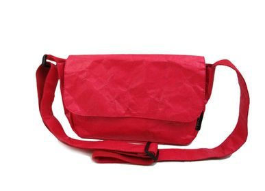 Bags and totes - KRAFT Shoulder Bag - Red - AUCTOR