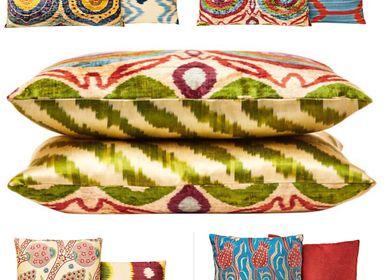 Comforters and pillows - Garden Of Beauty Silk Velvet Ikat Decorative Rectangular Cushion - HERITAGE GENEVE
