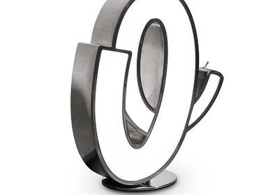 Garden accessories - O | Graphic Lamp - DELIGHTFULL