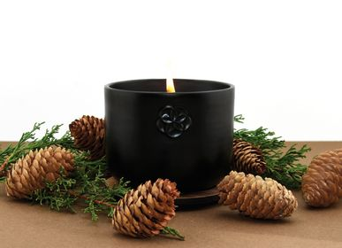 Candles - SCENTED CANDLE - LEBANESE CEDAR - THE VIEW - LUMINOSENS