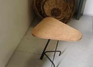 "Stools for hospitalities & contracts - Wooden Stool ""Saddle"" Birch top - LIVING MEDITERANEO"