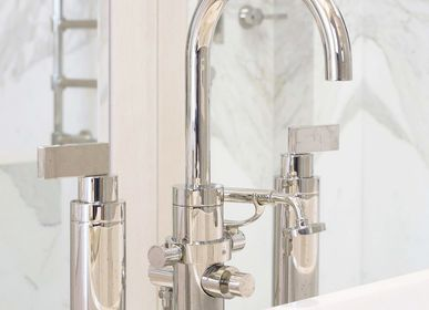 Faucets - Freestanding 3-hole tub filler on high legs, Piet collection - VOLEVATCH
