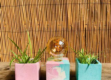 Lampes à poser - Lampe Béton | Cube | Marbré rose pastel et bleu turquoise - JUNNY