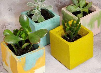 Decorative objects - Concrete Pot | Plant Pot | Coloured and Marbled Concrete - JUNNY