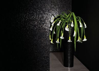 Vases - Vases dressed by Bisazza Mosaic Tiles - VG - VGNEWTREND