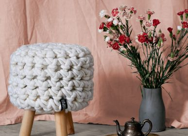 Footrests - Chunky knit footstool - PANAPUFA
