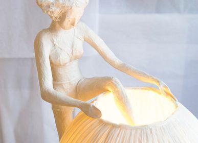 Lampes à poser - Mademoiselle Hors de sa robe, lampe - PAPIER À ÊTRES