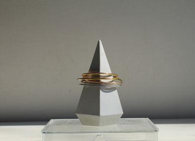 Decorative objects - White Concrete Cone - CHAPITRE MAISON