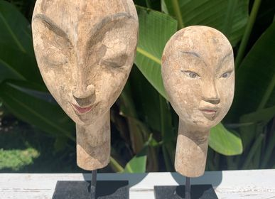Sculptures, statuettes and miniatures - MASK / FACE - Wooden decoration with Stand - CASA NATURA