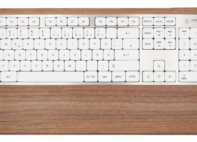 Gifts - Computer keyboard - Walnut wood  - GEBR. HENTSCHEL GBR