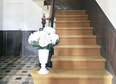 Vases - Paris Vase on foot. Design Mathilde Carron-Astier de Villatte - CARRON PARIS
