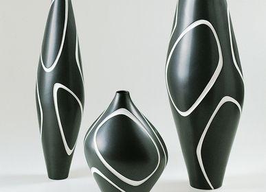 Vases - NAUM Black vase - FOS