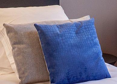 Decorative objects - Handmade cushion - ISABELLE BOUBET