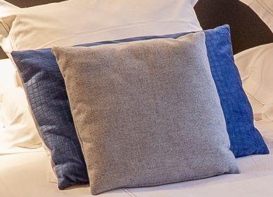 Cushions - Handmade cushion - ISABELLE BOUBET
