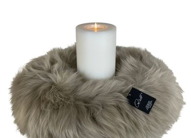 Decorative objects - Wreath of real merino lamb fur - QULT DESIGN GMBH