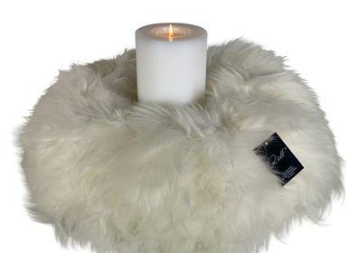 Decorative objects - Wreath of real merino lamb fur - QULT DESIGN GMBH