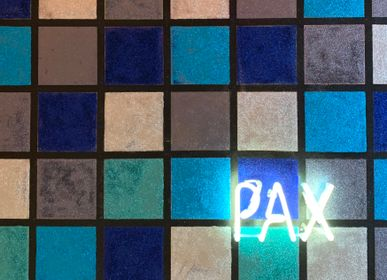 Wall decoration - PAX neon painting - CAROLINE BAUP