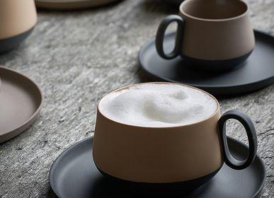 Assiettes au quotidien - TUBE Tasse à thé double couleur - ESMA DEREBOY HANDMADE PORCELAIN