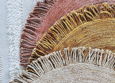Other caperts - Handwoven round jute rug with braided fringes - LA MAISON DE LILO