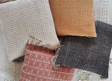Fabric cushions - Handwoven recycled cotton and jute cushions - LA MAISON DE LILO