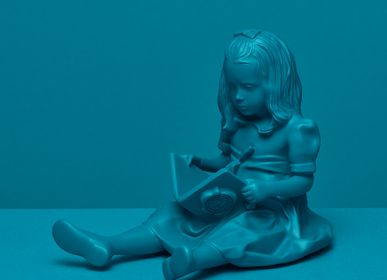 Children's fashion - RESIN FIGURINE color Blue The Girl & the Book - BLOOP