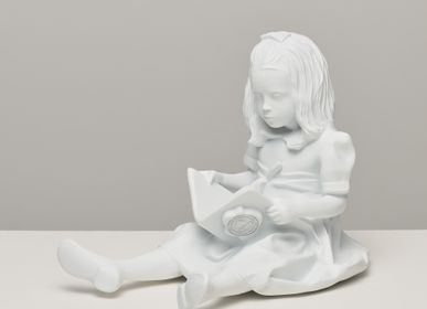 Children's fashion - RESIN FIGURINE color White The Girl & the Book - BLOOP