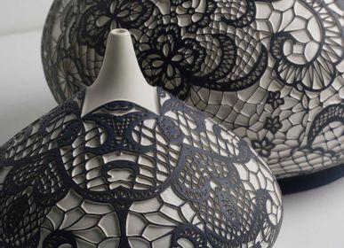Objets de décoration - Objet décoratif à motif dentelle YAS - ESMA DEREBOY HANDMADE CERAMIC