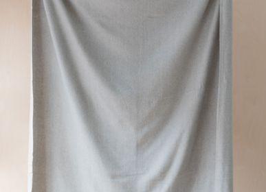 Plaids - Couverture en laine recyclée en chevrons argentés - THE TARTAN BLANKET CO.