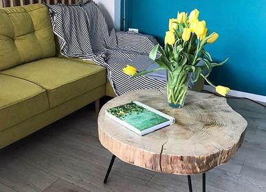 Objets de décoration - Table basse en bois massif, sapin - MASIV_WOOD