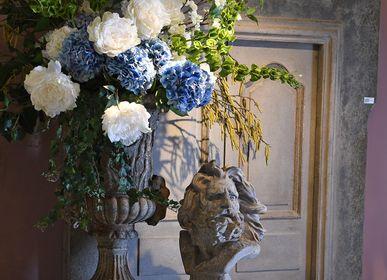 Floral decoration - Blue Hamptons - COACH HOUSE