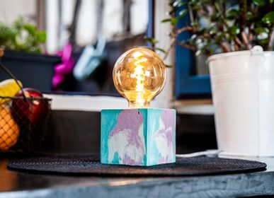 Decorative objects - Concrete Lamp | Cube | Mottled pastel pink and turquoise blue - JUNNY