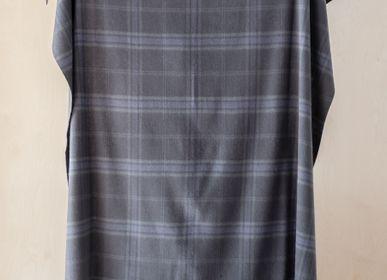 Plaids - Couverture en laine d'agneau en tartan gris silex persévère - THE TARTAN BLANKET CO.