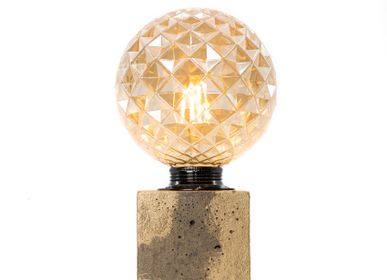 Decorative objects - Concrete Lamp | Cube | Patinated concrete - JUNNY