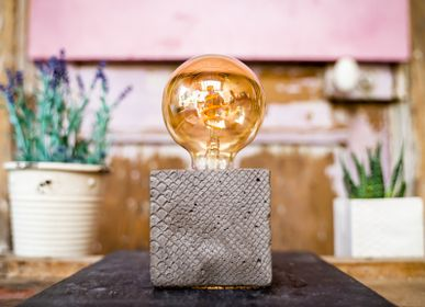 Design objects - Concrete lamp | Cube | Crocodile printed concrete - JUNNY