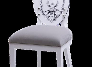 Chaises - Chaise La Capsule Royale Esmerelda - JADE + AMBER