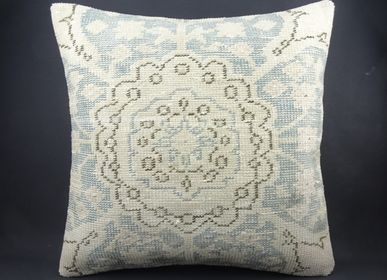 Cushions - CARPET PILLOW COVER - OLDNEWRUG