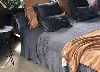Bed linens - Bedspread in velvet BEKUME - BEKUME