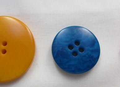 Art hardware - Round corozo buttons. Vegetal Ivory or Tagua - TIERRATAGUA & CREATIERRA