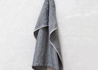 Bath linens - TEXTILE NO. 10 - GUEST TOWEL - KARIN CARLANDER