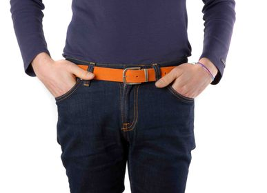 Leather goods - Orange leather belt with interchangeable buckle - VERTICAL L ACCESSOIRE