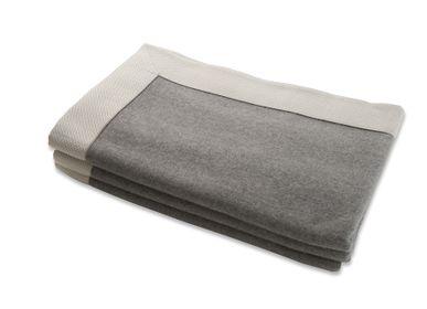 "Throw blankets - Blanket ""Piemonte Bordo Nastro Diamante"" - MASSERANO CASHMERE"